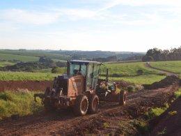 Prefeitura segue recuperando estradas municipais