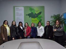 Professoras participam de formação para adequar cooperativa escolar