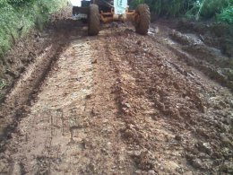 Prefeitura recupera estradas municipais