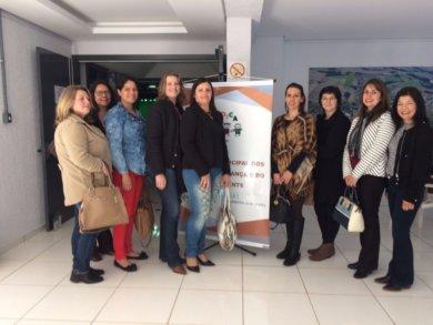 Profissionais da Secretaria de Saúde, Assistência Social e Conselho Tutelar participaram de seminário em Tapera