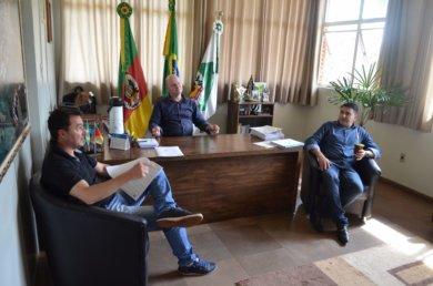 Administração discutiu repasses às entidades municipais