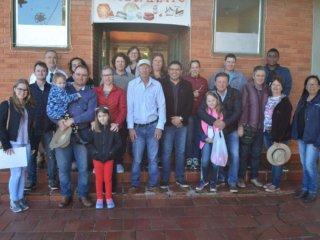 Vereadores e representantes do Executivo visitam o Caminho das Topiarias, Flores e Aromas