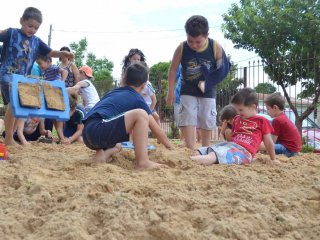 EMEI Felippe Alflen disponibiliza caixa de areia para estudantes
