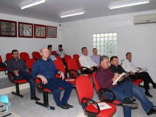 Prefeito Alflen presente em reunião da Amasbi em Alto Alegre