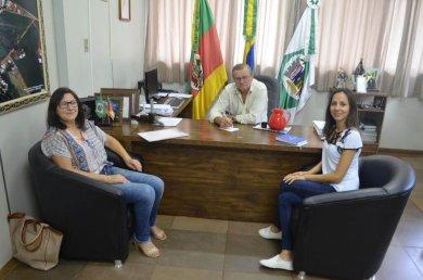 Administração destina verba do Carnaval para adquirir aparelhos de ar condicionado a EMEF Marcilio Dias