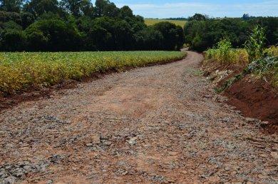 Secretaria de Obras recupera estradas gerais e vicinais