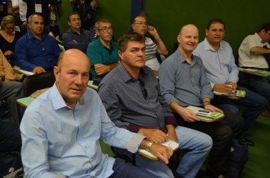 Prefeito Alflen participou de reunião da Famurs na Expodireto
