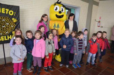 Café com pais encerra atividades do Projeto: As Abelhas na EMEI Felippe Alflen
