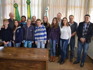 Administração Municipal se reúne com Vereadores Mirins