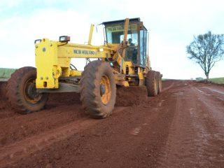 Estradas do município recebem melhorias