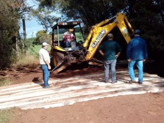 Secretaria de Obras reforma ponte no Barro Preto