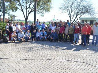 Administração realiza ato inaugural da revitalização da Mais Bela Praça