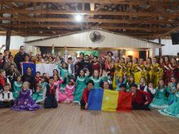 Invernadas do CTG Galdino Marques e grupos artísticos da Romênia e Chile encantam o público