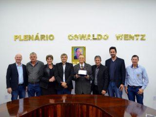 Pastor Avelino Pedro Koehler recebe Título de Cidadão Honorário