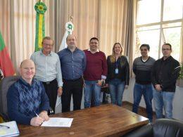 Prefeitura de Victor Graeff assina convênio de mais de R$ 1,5 milhão para investimentos em maquinário e na infraestrutura