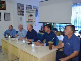 Prefeito Cláudio participa de reunião da AMASBI em Tio Hugo