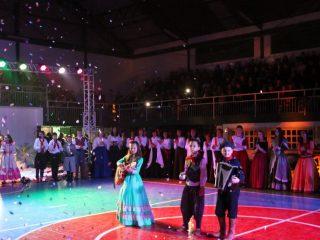 Show Tradicionalista lota Ginásio Municipal e encanta o público