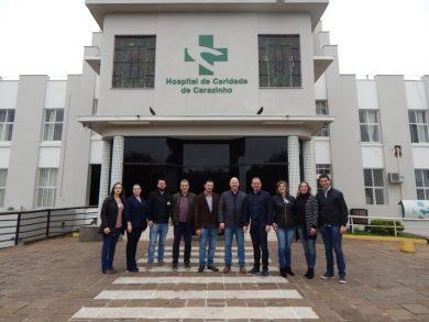 Prefeito Cláudio Alflen visita Hospital de Caridade de Carazinho