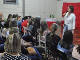 Secretaria Municipal de Educação promoveu ciclo de palestras pedagógicas nas escolas