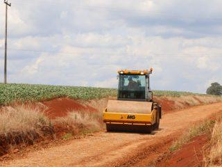 Estradas da localidade de Faxinal estão recebendo melhorias