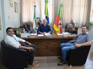 Prefeito Cláudio Alflen recebe presidente da Câmara Municipal de Vereadores