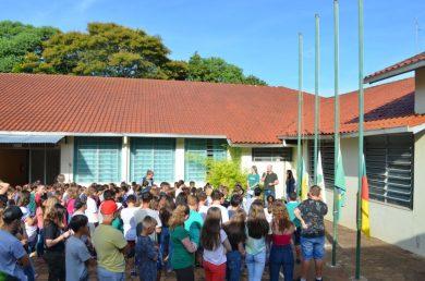 Rede municipal de ensino volta às aulas