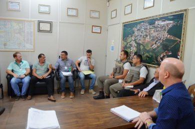 Executivo se reúne com órgãos ligados ao setor agrícola para discutir sobre a estiagem no município