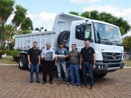 Município adquire caminhão para Secretaria Municipal de Obras