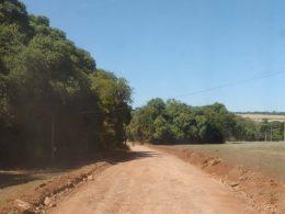Estrada geral de Linha Jacuí recebe melhorias