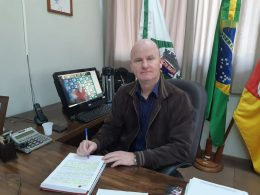 Cláudio Alflen participa de reunião via videoconferência com presidentes da Famurs e CNM
