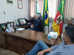 Prefeito Cláudio Alflen participa de videoconferência organizada pelo Comaja