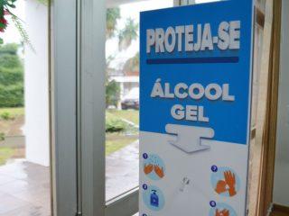 Secretaria Municipal de Saúde adquire totens de álcool em gel