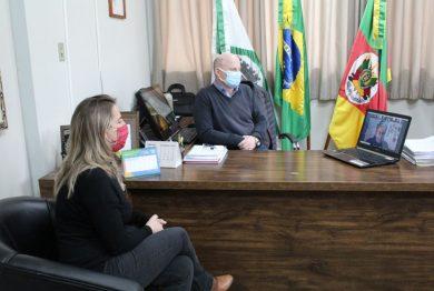 Prefeito participa de lançamento regional da Campanha Máscara Roxa