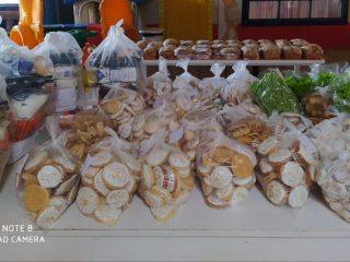 Secretaria de Educação realiza entrega de kits de merenda escolar para alunos da rede municipal