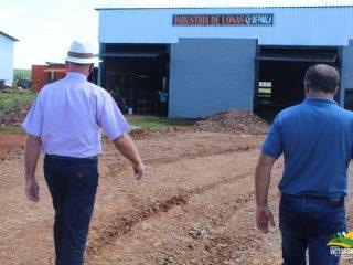 Prefeito de Victor Graeff visita distrito industrial